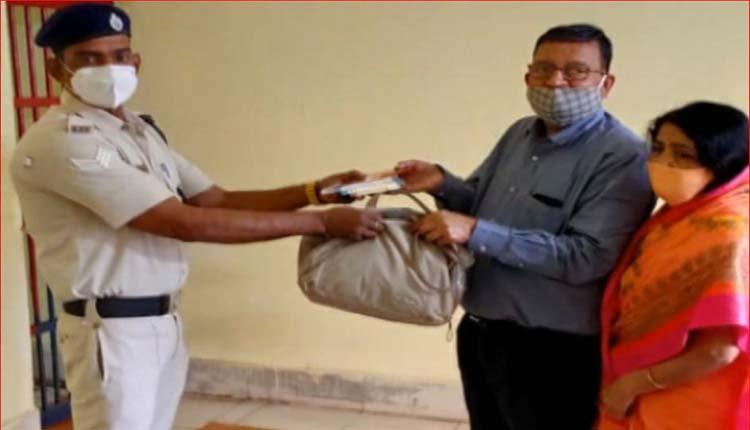 True Benevolence: Odisha RPF Staff Returns Lost Cash Bag To Elderly Maharashtra Resident