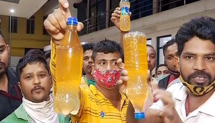 'Petrol Adulteration' At Filling Station In Bhubaneswar Irks Public