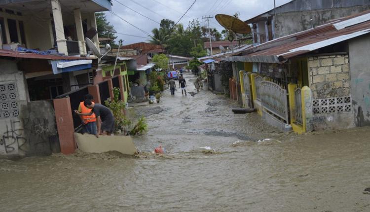 Indonesia Flash Floods: 23 Killed, 2 Missing