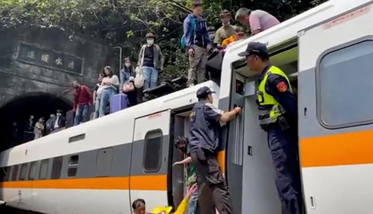 Taiwan-Train-derailment